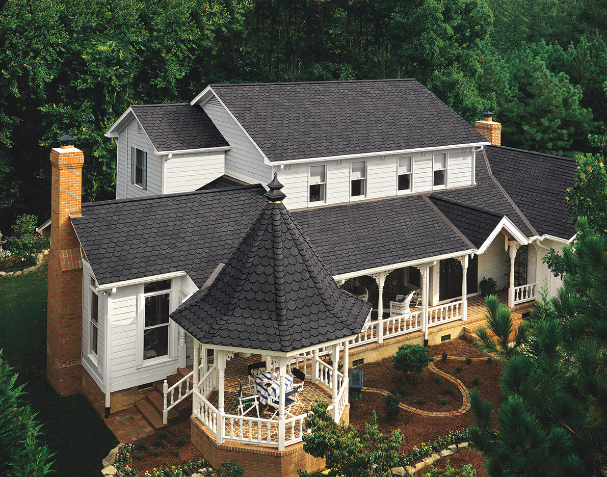 Carriage House BlackPearl - Certainteed - Carriage House Shingles